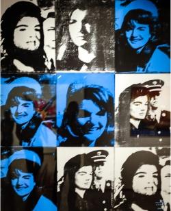 ANDY WARHOL (1928-1987) - Nove Jackie. 1964