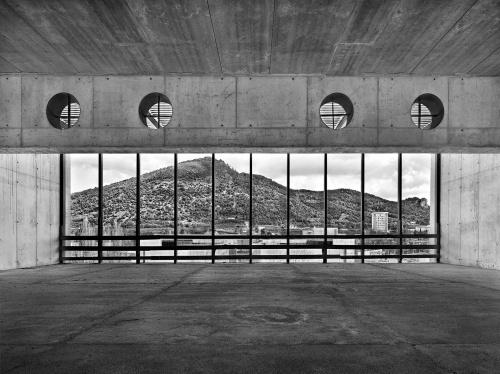 Palazzetto dello Sport, cantiere di  Salerno, 15 marzo 2012 ore 11:00. Architetto Tobia Scarpa