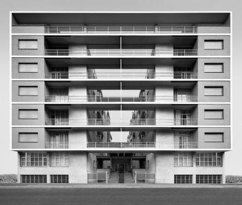Casa Rustici. Milano, 2002. Architetto Giuseppe Terragni