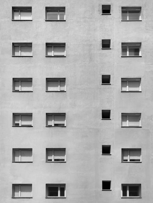 Via Lazzaretto, Milano. Architetto Moretti