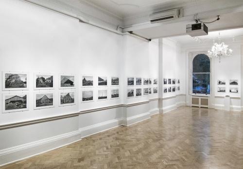 """Allestimento mostra """"Acre"""" London, Italian Cultural Institute, 16 Maggio - 18 Giugno 2017"""